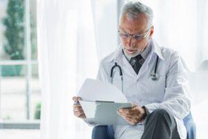 Peritos médicos